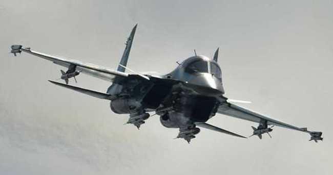 Rus uçakları Esad güçlerini vurdu