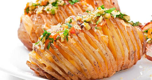 Fırında Sebzeli Patates Nasıl Yapılır?