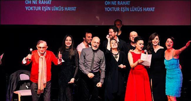Tiyatro yıldızlarından 'Lüküs Hayat' şarkısı