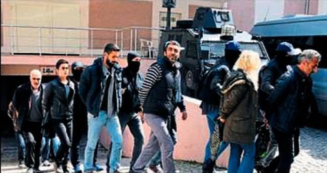 İzmir'de 8 HDP'li yönetici tutuklandı