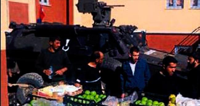 Kahraman polisler için Isparta'dan elma gitti