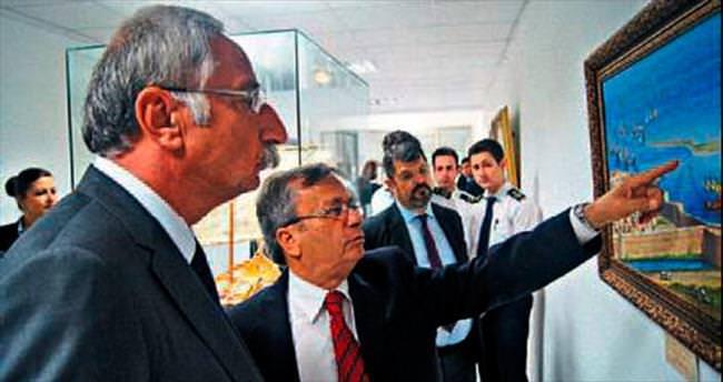 Başkan Nidai Güngördü Girne Üniversitesi'nde