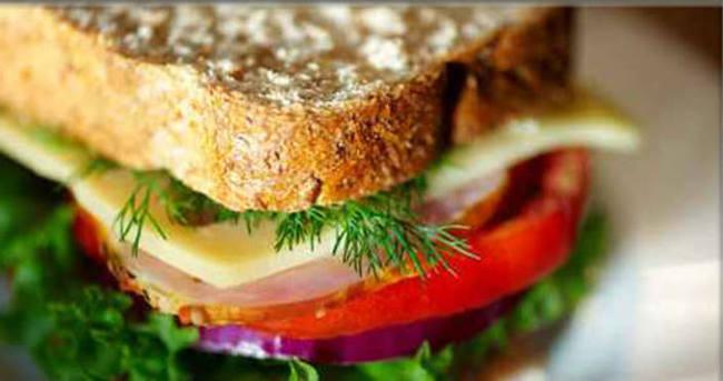 Çavdar Ekmekli Sandviç Nasıl Yapılır?