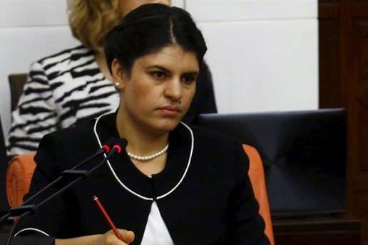 Dilek Öcalan'ın aracı kaza yaptı! 4 yaralı
