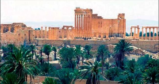 Suriye'de Palmira Kalesi rejimin kontrolünde