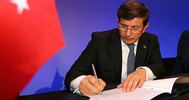 Davutoğlu Ürdün ziyaretinde 10 anlaşma imzalayacak
