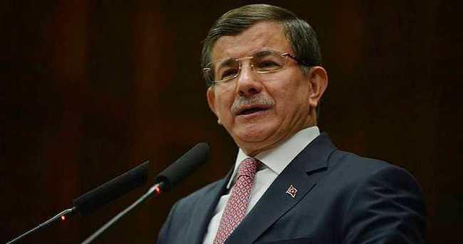 Davutoğlu'nun Facebook'taki Arapça hesabına yoğun ilgi