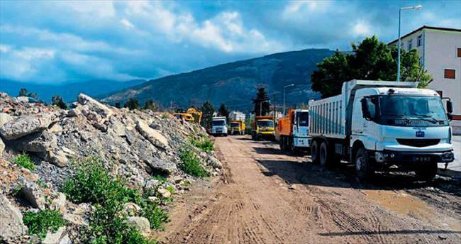 Belediye yeni yollar açıyor
