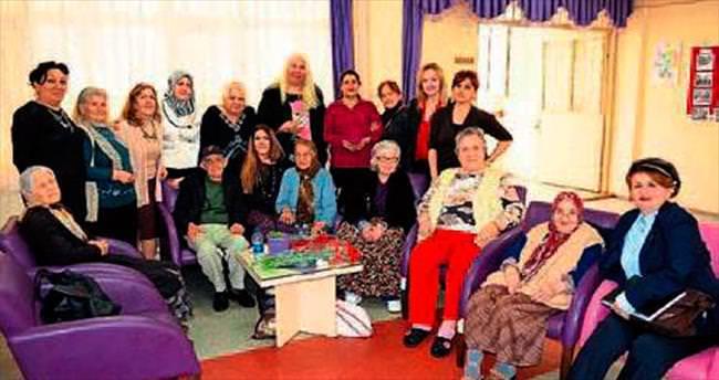 'AK Kadınlar'dan huzurevine ziyaret