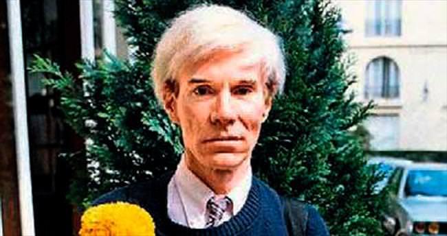 Andy Warhol AKS'de