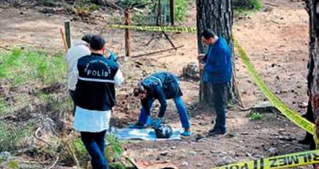 Şüpheli mezardan köpek ölüsü çıktı