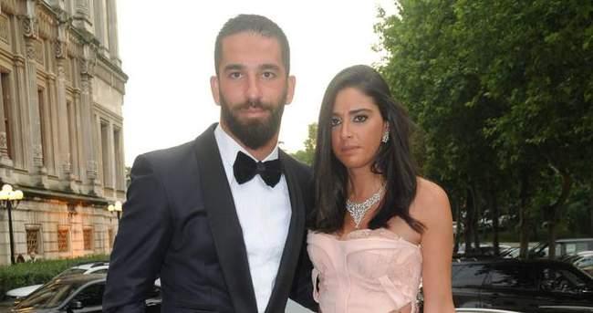 Sevgilisinin paylaşımı Arda Turan'ı kızdırdı