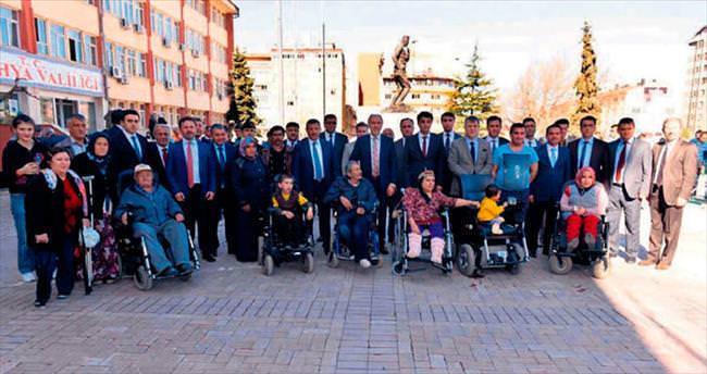 Akülü sandalyeler engellileri sevindirdi