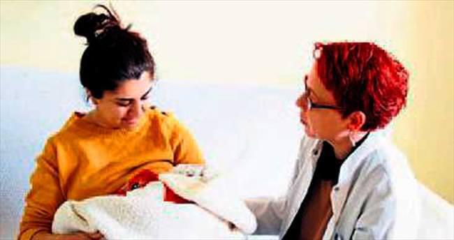 Buca'daki hastanede anne sütü eğitimi