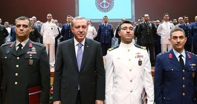 Cumhurbaşkanı Erdoğan Harp Akademileri Komutanlığı'nda