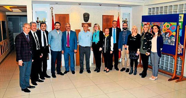 Adana Final'de velilere 'farkındalık' semineri