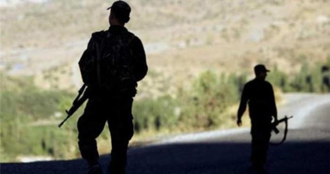 PKK'lı kadın terörist yol kontrolünde yakayı ele verdi
