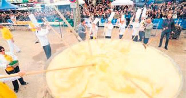 15 bin yumurtayla Paskalya omleti