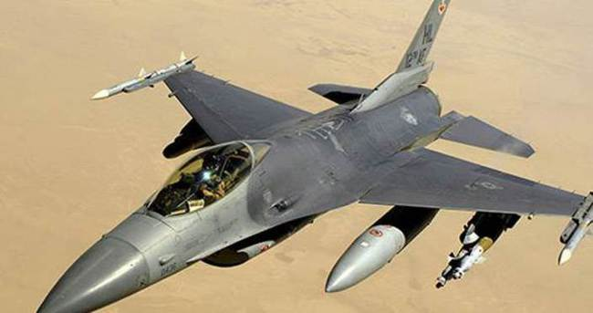 ABD Hava Kuvvetlerine ait F-16 savaş uçağı düştü
