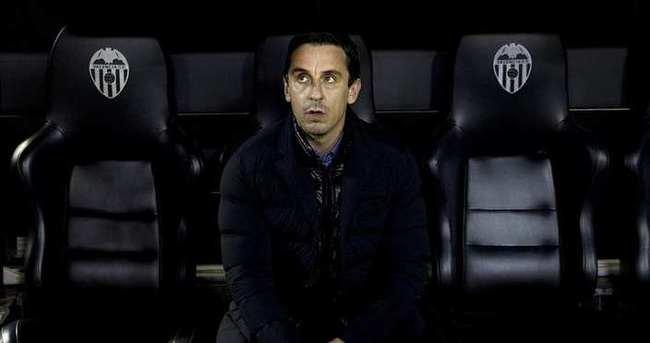 Valencia, Gary Neville ile yollarını ayırdı