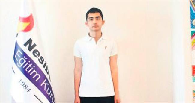 YGS Türkiye birincisi Nesibe Aydın'dan