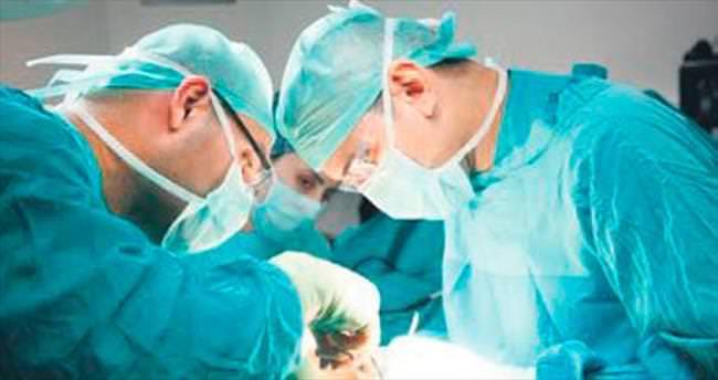 HIV'li hastadan ilk organ nakli