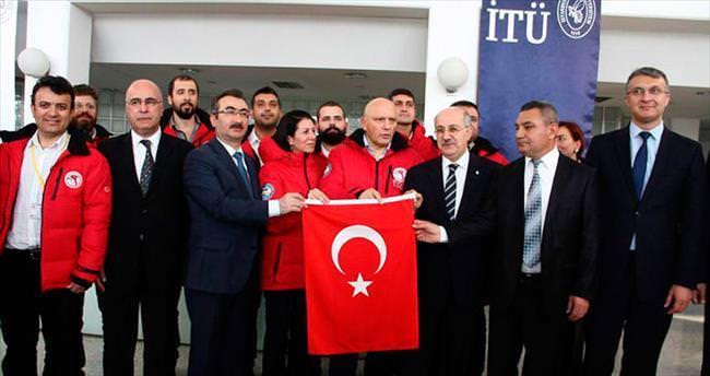 Kutba Türk bayrağı için 3..2..1..