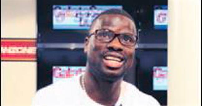 Bir yıl ceza alan Eboue kovuldu!