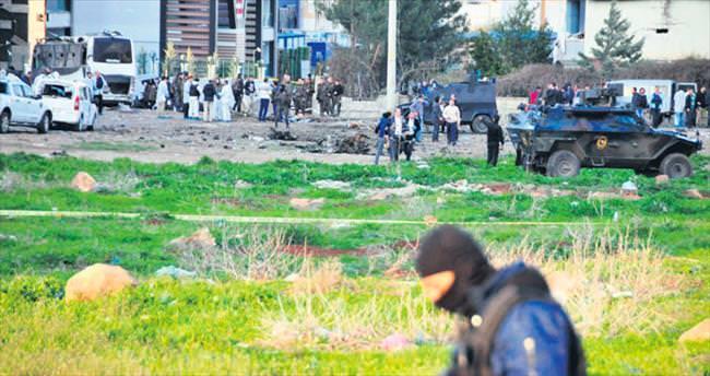 Diyarbakır'da polise kaleş saldırı