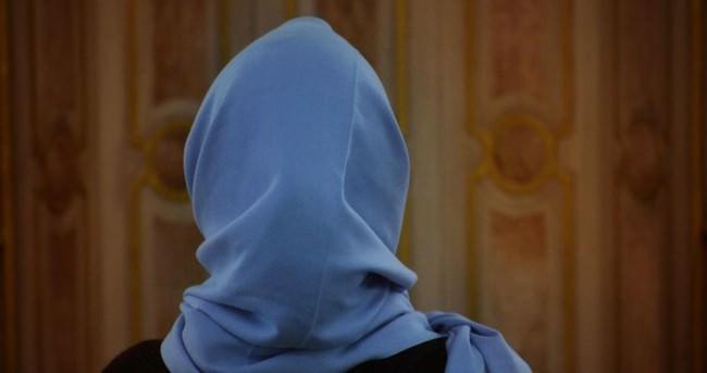 Kazakistan'da okullarda başörtü izni yolda