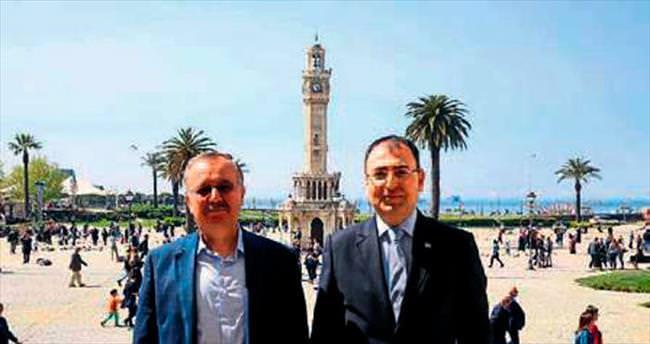 Kars Valisi Özdemir Toprak'ı ziyaret etti
