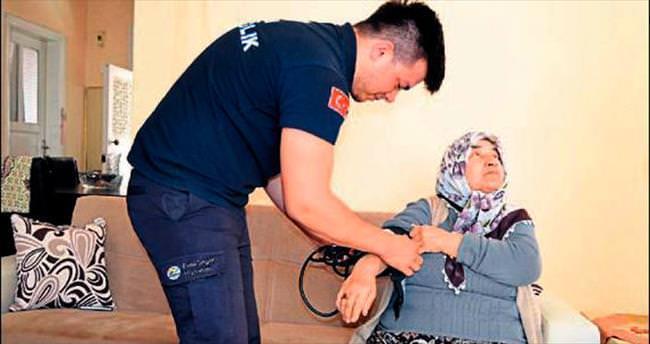 İskenderun belediyesi yaşlıları ihmal etmiyor