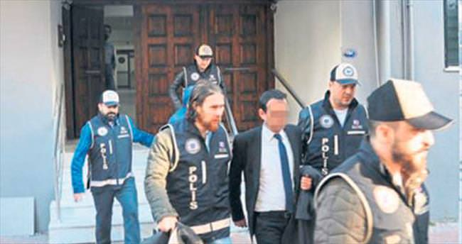FETÖ'de 7 tutuklama