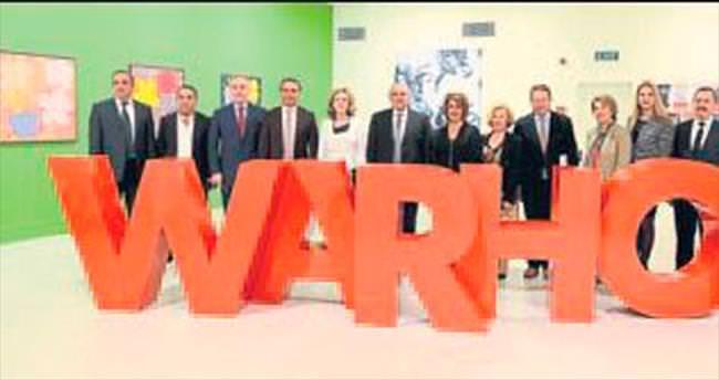 Warhol sergisi için ATSO'dan jest geldi