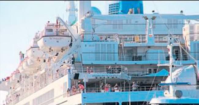 Kruvaziyer sezonu ilk gemi ile açıldı