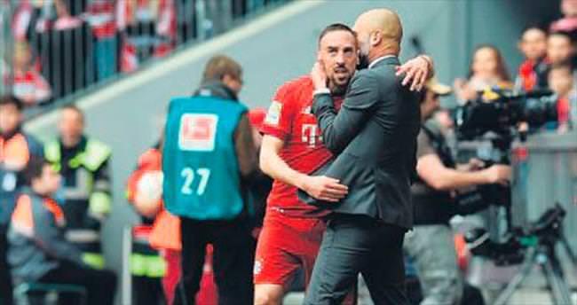 Bayern Münih'e 3 puan Ribery'den