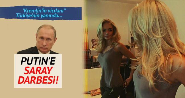 Putin'e Saray darbesi!