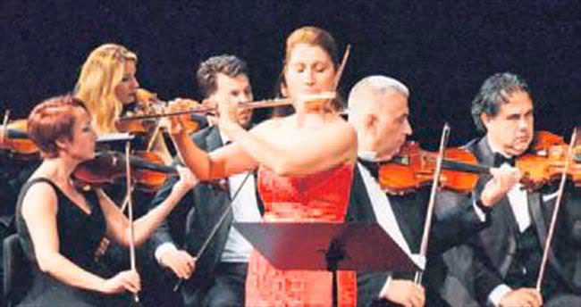 Prof. Sibel Pensel flütüyle büyüledi