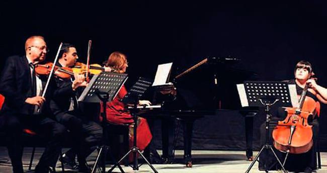 Öğrencilerden Yakın Doğu'da Bach ziyafeti