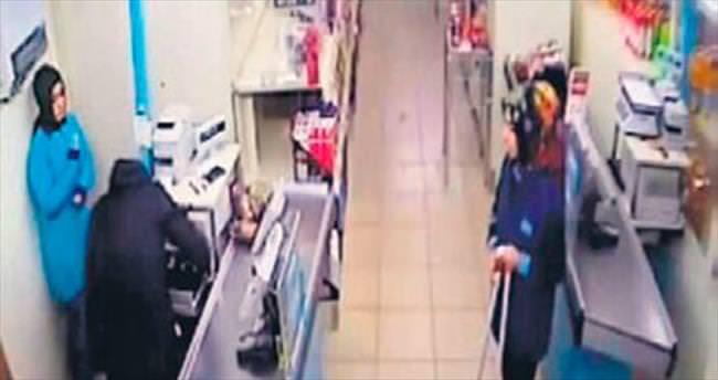 Soyguncuyu attığı bandana yakalattı