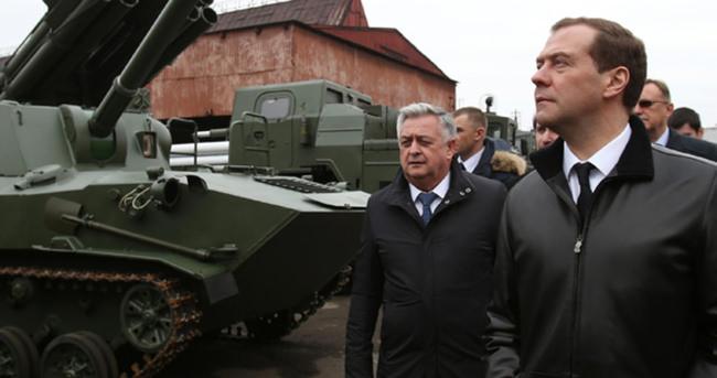 Medvedev'den kritik ziyaret