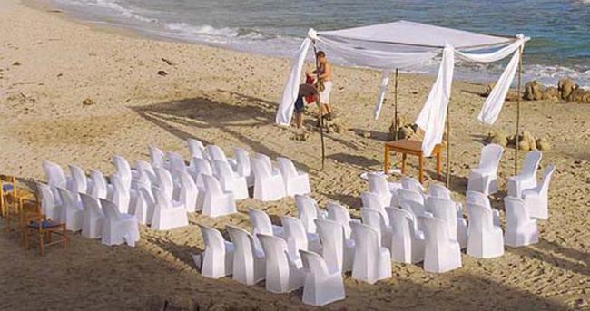 Kumsalda veya eski bir fabrikada düğün hayal değil