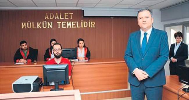 İZÜ'nün duruşma salonu açıldı