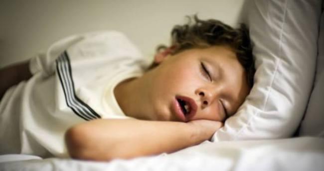 Çocuğunuz uykuda ağzı açık uyuyorsa dikkat
