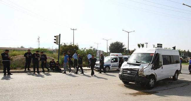 Çevik Kuvvet minibüsüne kamyon çarptı: 7 polis yaralı