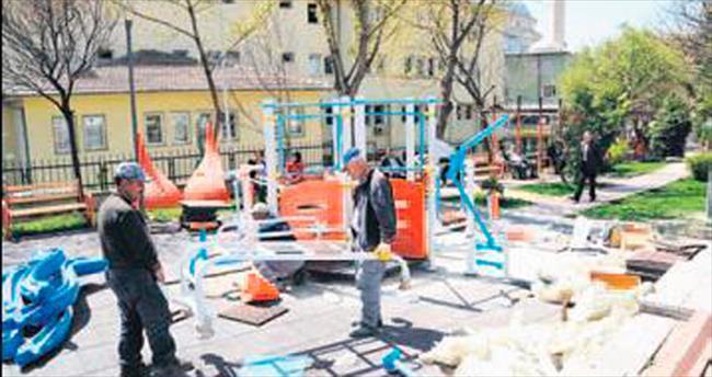 Mamak'ta parklar bahara hazır