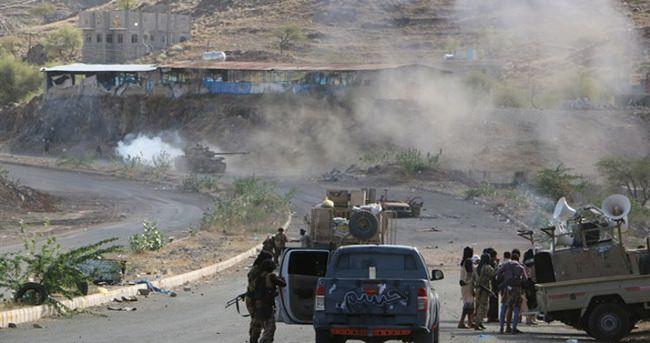 El Kaide militanları 15 Yemen askerini öldürdü