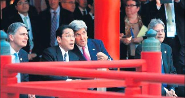 Kerry, 71 yıl önce bombalanan Hiroşima'da