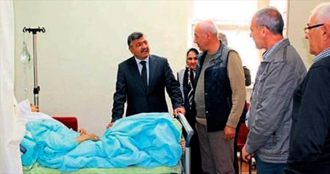 Başkan Akdoğan'dan hastalara moral ziyareti
