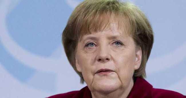 Merkel, Türkiye'nin komedyen ile ilgili şikayeti için açıklama yaptı